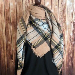 Accessories - 🐥3/$25 Blanket Scarf